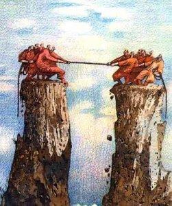 УКРАИНА - ДВА АНТАГОНИСТИЧЕСКИХ МИРА, ОДИН ИЗ КОТОРЫХ МЕРТВОЙ ХВАТКОЙ ВЦЕПИЛСЯ В ДРУГОЙ